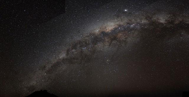 The Milky Way arch. Credit: Bruno Gilli/ ESO